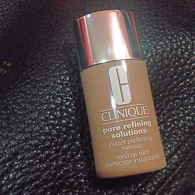 Clinique Pore Refining Make Up Shade 65 Neutral