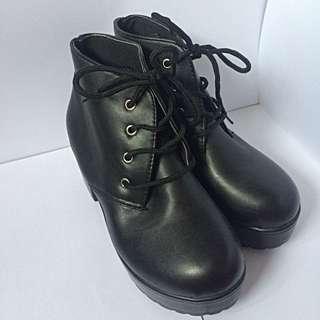 Boyfriend boots