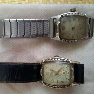 年代久遠的兩只機械錶。需洗油或修理。