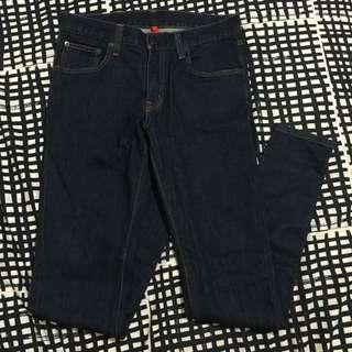 Uniqlo 男生原色牛仔直筒褲(深藍)28腰