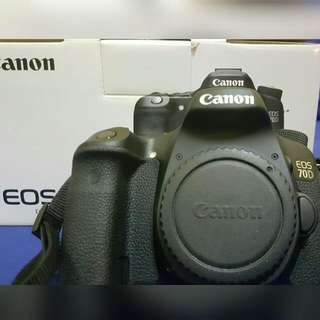 Canon 70D Body With Battery Grip