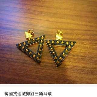 韓國抗過敏卯釘三角耳環