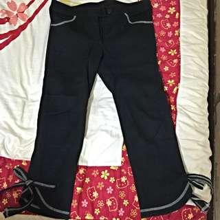 ✨V_K黑色白線口袋裝飾蝴蝶結七分褲💕38號
