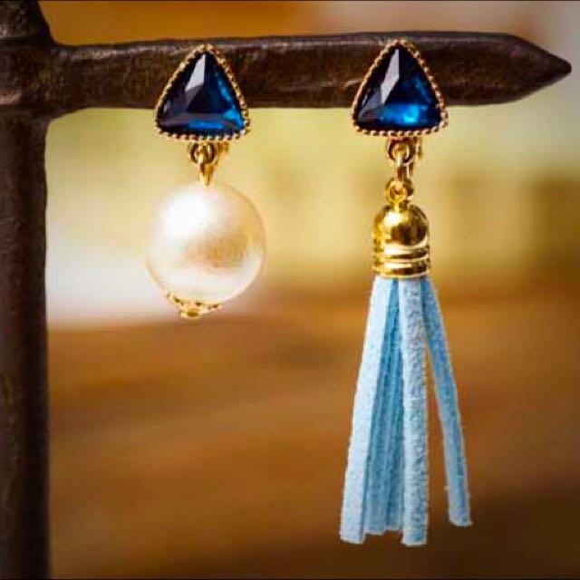 韓國帶回寶藍鑽流蘇耳環夾式。全新