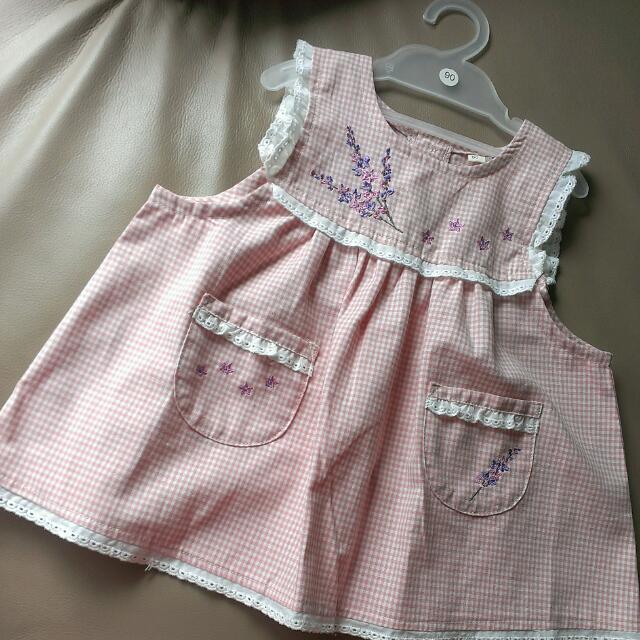 全新日本帶回 荷葉邊/繡花/口袋/無袖/洋裝式上衣,女童裝 90cm,100%純棉