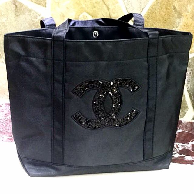 b07295964d07 Sold Out ❗ ❗️New Authentic Chanel VIP VANITY GIFT tote Bag ...