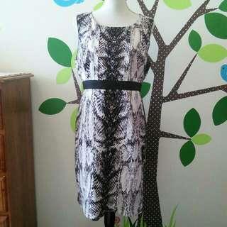 Gorgeous dress by Jacqui-e || Beige/Brown/Black || size 14