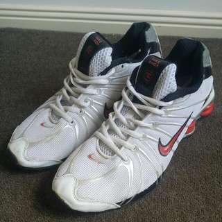 Nike Shox Runners