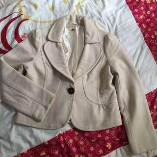 ✨Hogo Color 米色甜美蝴蝶結西裝外套✔️八成新✔️M號