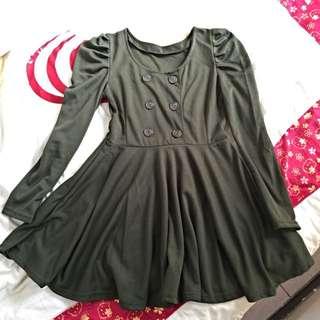 💓墨綠色、米色傘裙顯瘦洋裝✔️七成新✔️M號