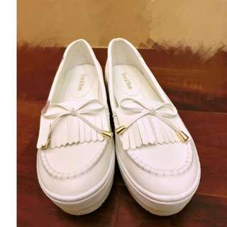 白色厚底包鞋