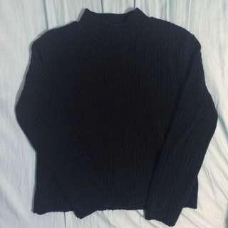 高領短版毛衣黑的唷唷