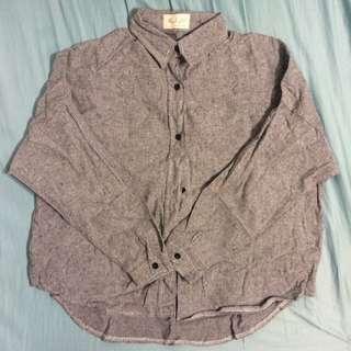 灰色的牛津襯衫