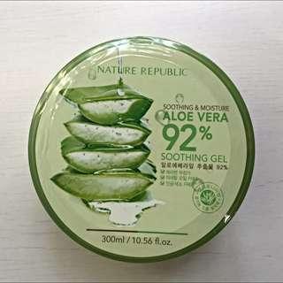 🎈全新未拆🎈韓國自然主義Nature Republic92%蘆薈補水修護舒緩保濕凝膠