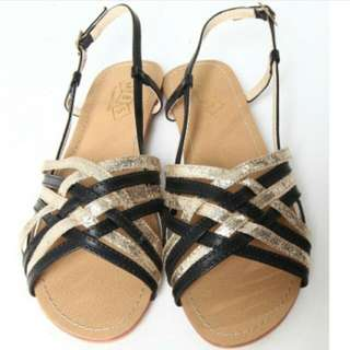 The Stage Walk Black And Gold Weaved Strap Sandals Size 36