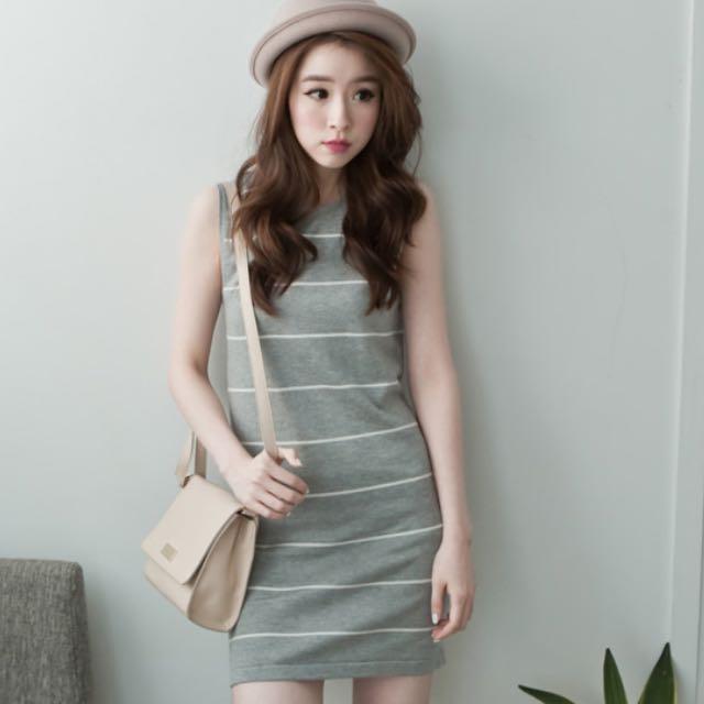 條紋灰色連身裙