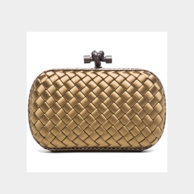 2b5cd1a9336 Bottega Veneta Knot Clutch, Women s Fashion, Bags   Wallets on Carousell