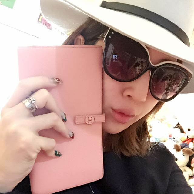 Chanel 粉紅色多格層實用長夾