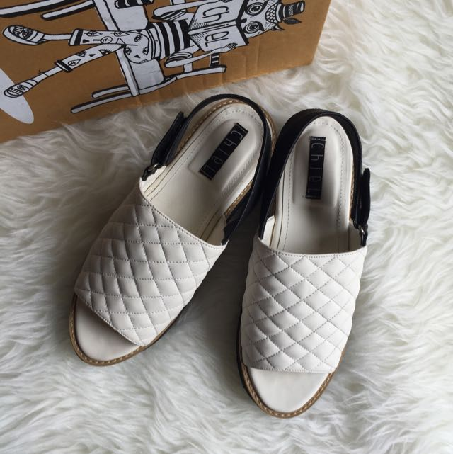 Chiel shoes in white
