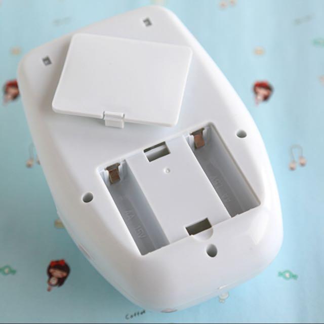 Mini portable nail tools white color nail blowing dryer powered by 2pcs AA batteries nail art polish