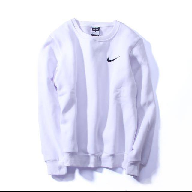 Nike小勾大學t