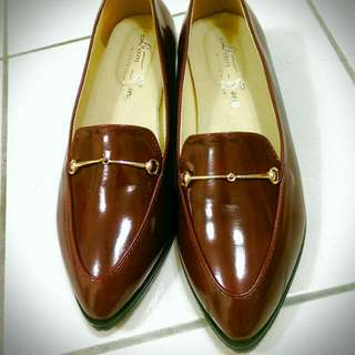 酒紅色 漆皮低跟樂福鞋