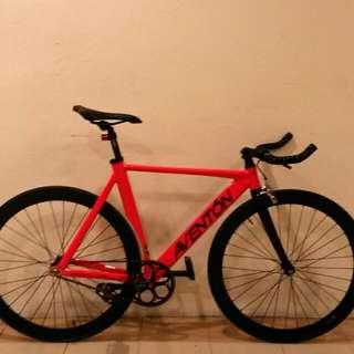 Aventon Mataro Low Full Bike