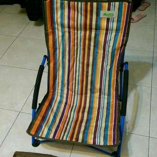 (保留中)Logos 椅子
