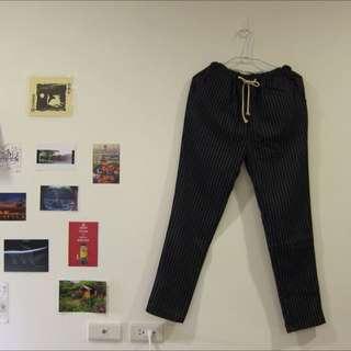 [出清便宜賣] 顯瘦黑條紋褲