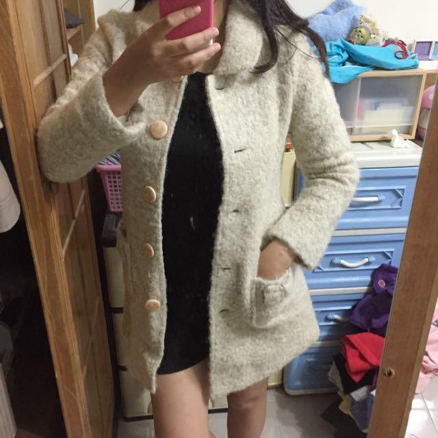 (洽中)米色短毛氣質長版外套