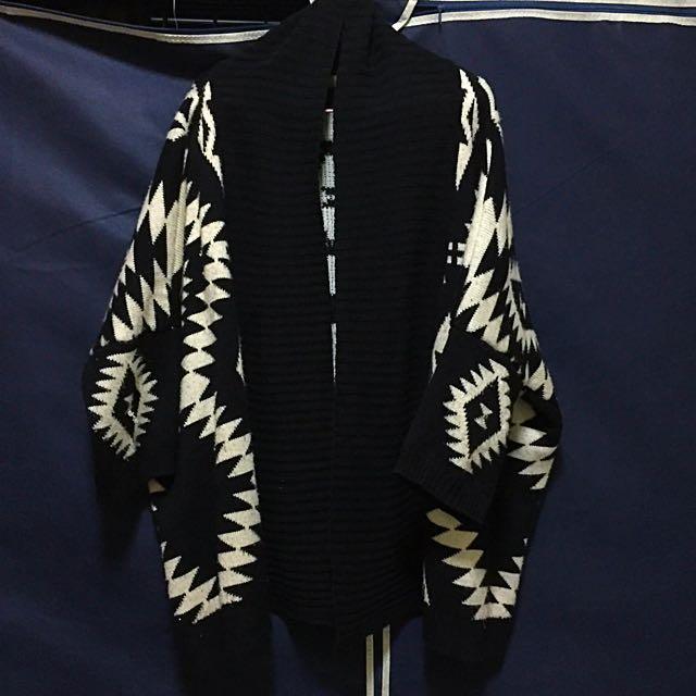 幾何黑白厚毛料保暖寬袖開襟針織外套