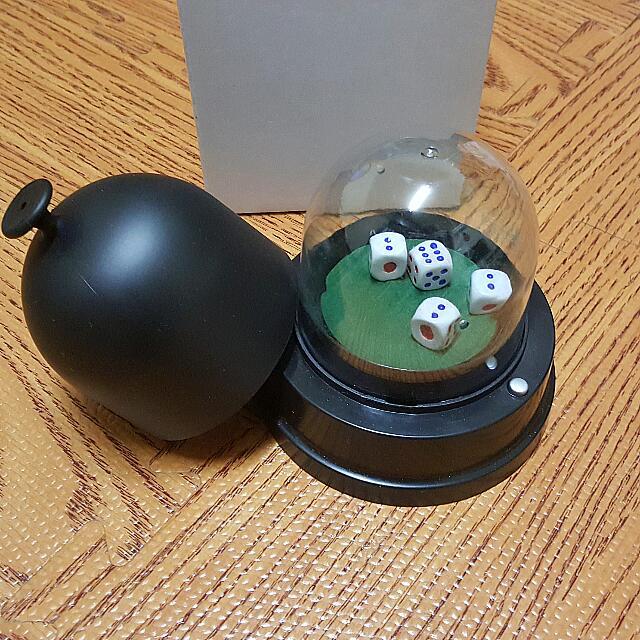 按壓式 自動骰鐘 4顆骰子 可換電池 黑色 9.9成新
