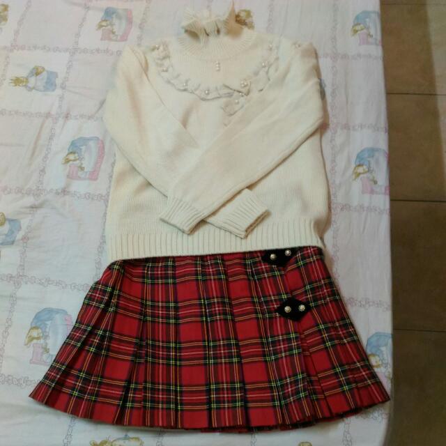 全新^^BK毛衣+短百摺裙 大童最愛。S size美眉亦可穿