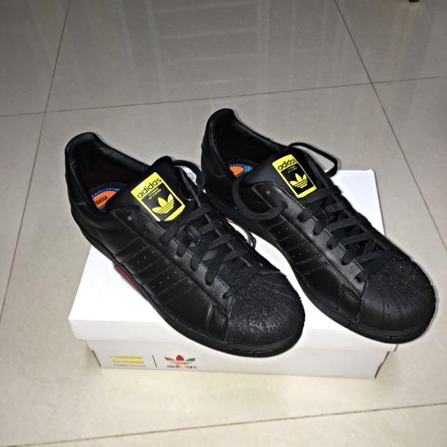 7c32f10f5b522 Pharrell Williams X Zaha Hadid X Adidas Superstar