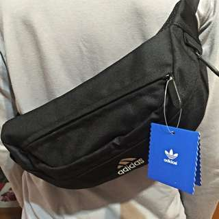 Adidas 腰包含運‼️現貨供應‼️