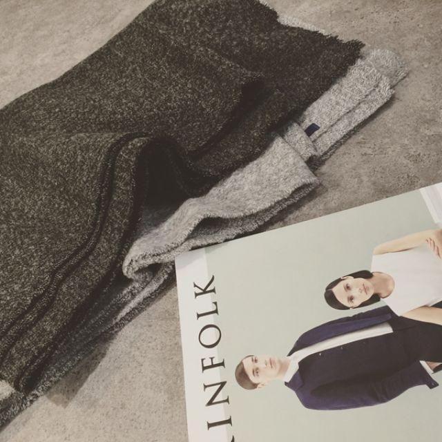 076預購。推薦實用百搭毛邊羊毛大圍巾~深灰&淺灰