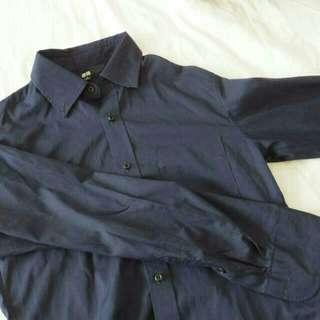 [60%OFF] UNIQLO Shirts (Navy)