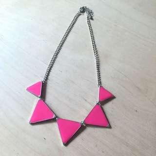 桃紅三角金色項鍊