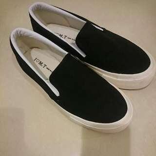 韓國製黑色厚底鞋(降價重po)