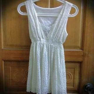 碎花蕾絲白色背心洋裝👗
