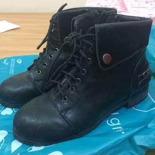 黑色短靴 38號