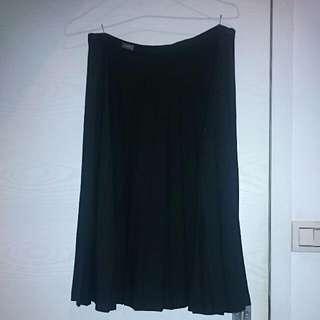 Cerruti[夏綠蒂]黑色百褶裙