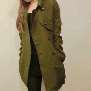 (保留)9成新軍綠色大衣