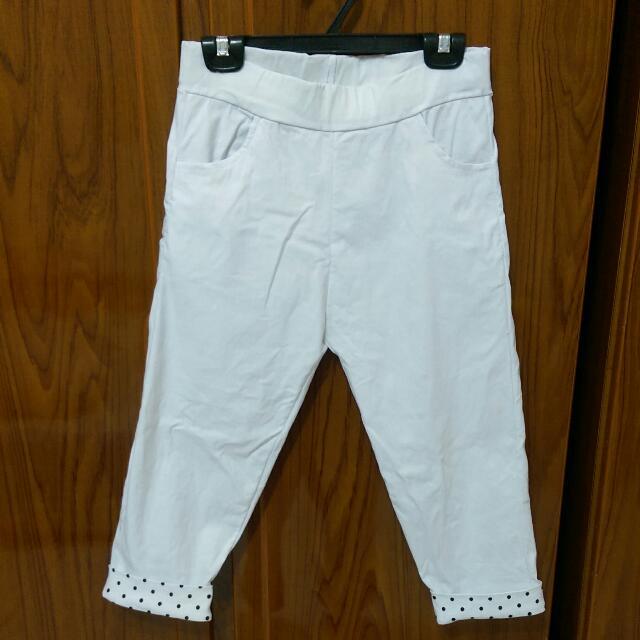 💫白色內搭點點七分褲