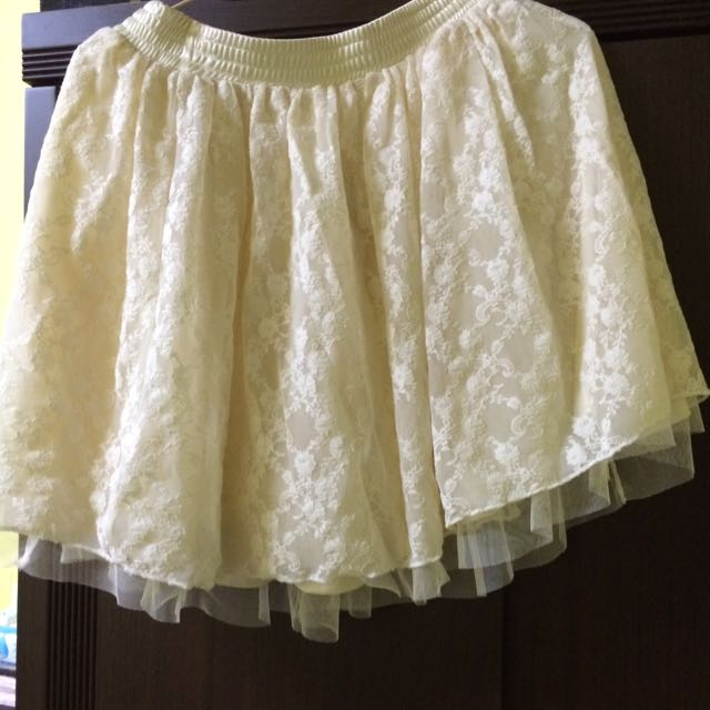 蕾絲米白短裙