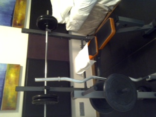 Bench press with 100kg weights