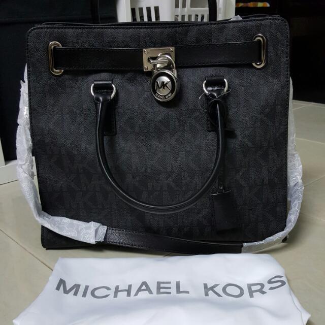 032e13d7b7f537 BN Michael Kors Large Signature Hamilton Tote Black logo / Silver, Women's  Fashion on Carousell
