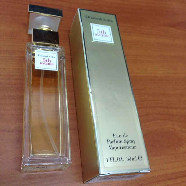 Elizabeth Arden 5th Avenue香水