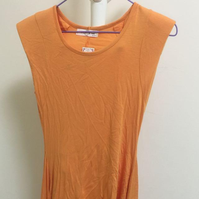 橘色墊肩傘狀T恤