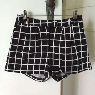 Luck & Trouble Shorts - Size 8